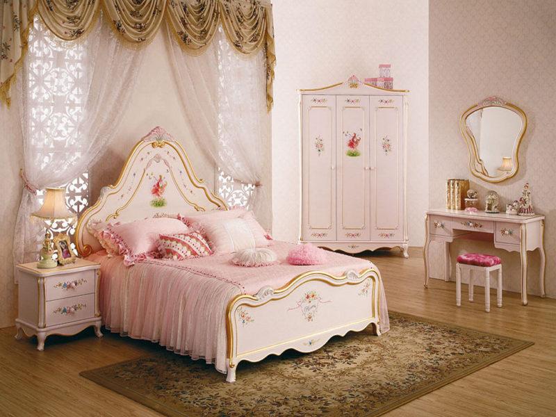 Красивая кровать для девочки